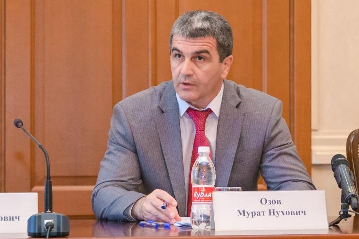 Мурат Озов возглавил администрацию главы и правительства КЧР