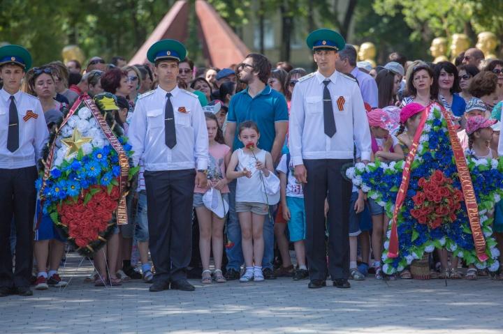 Руководство КЧР и жители республики приняли участие в памятном мероприятии в День памяти и скорби