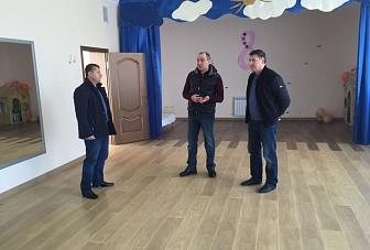В ходе рабочей поездки в Хабезский район Рашид Темрезов осмотрел ряд строящихся социальных объектов